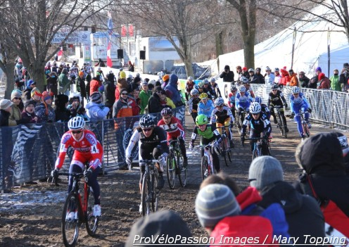 Meredith Miller led the field onto pavement after the 2013 'cross nationals elite women's start