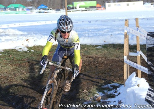 Kristal Boni dares to conquer to single speed race at the 2013 cyclocross national championships