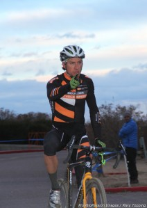 Russell Stevenson wins the final 2012 Boulder Cyclo-cross Series race