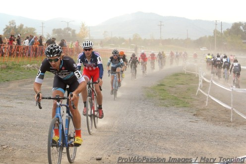 Elite men's field in lap 1 at Colorado Cross Classic