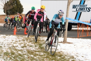 Melissa Barker gets women's elite holeshot at Cyclo-X Westminster