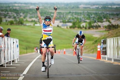 Flavia Oliveira wins 2014 Superior Morgul road race (photo courtesy of Dejan Smaic)