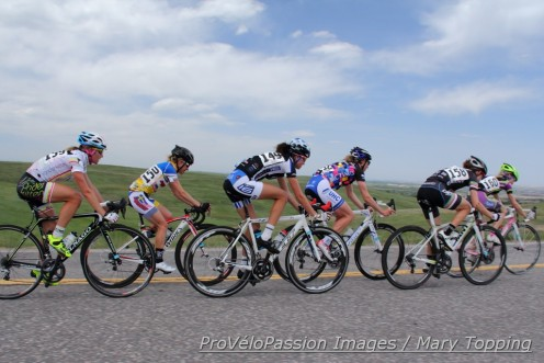 Leaders mid-way into the Superior Morgul road race (l-r): Amy Charity, Flavia Oliveira, Abby Mickey, Alison Powers, Heather Fischer, and Megan Carrington