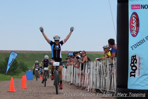 Katie Compton wins the 2014 Beti Bike Bash