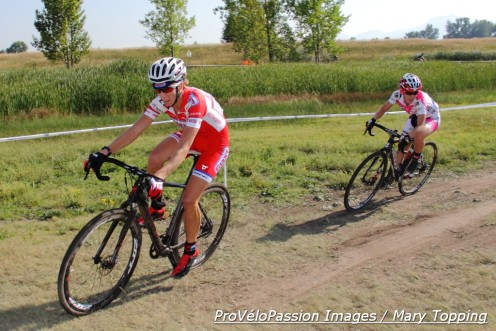 Rachel Lloyd and Chloe Woodruff in the final lap at US Open of Cyclocross