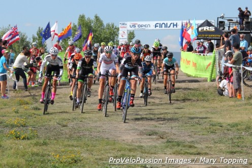 Elite women's holeshot