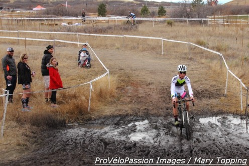 Utah junior takes the middle line through the Rhyolite mud dip