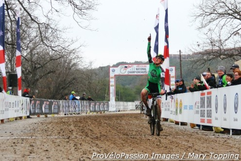 Gage Hecht wins the 2015 junior men's 17 - 18 USA Cycling cyclo-cross national championship