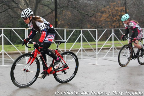 Katie Clouse speeds off the line at 2015 cyclocross nationals in the rain