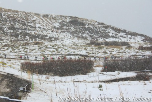 Snowy start to men's Colorado elite cyclocross championship