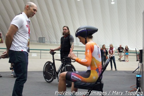 Neal Henderson's last words of encouragement to Evelyn Stevens, before the UCI Hour Record attempt